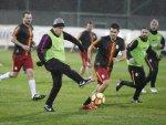 Galatasaray teknik heyeti ile gazeteciler maç yaptı